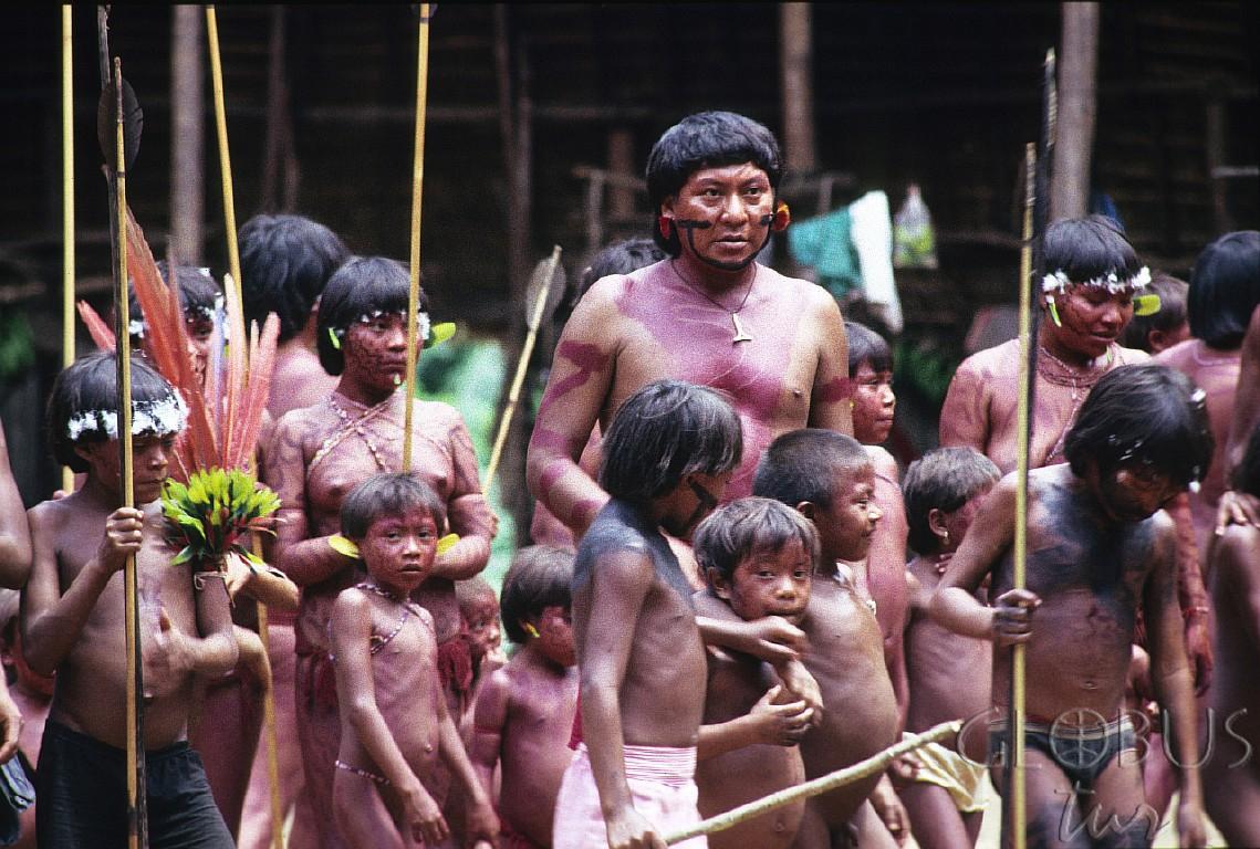Амазонские индейцы ебут белую женщину
